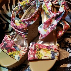 Floral Wedged Shoes